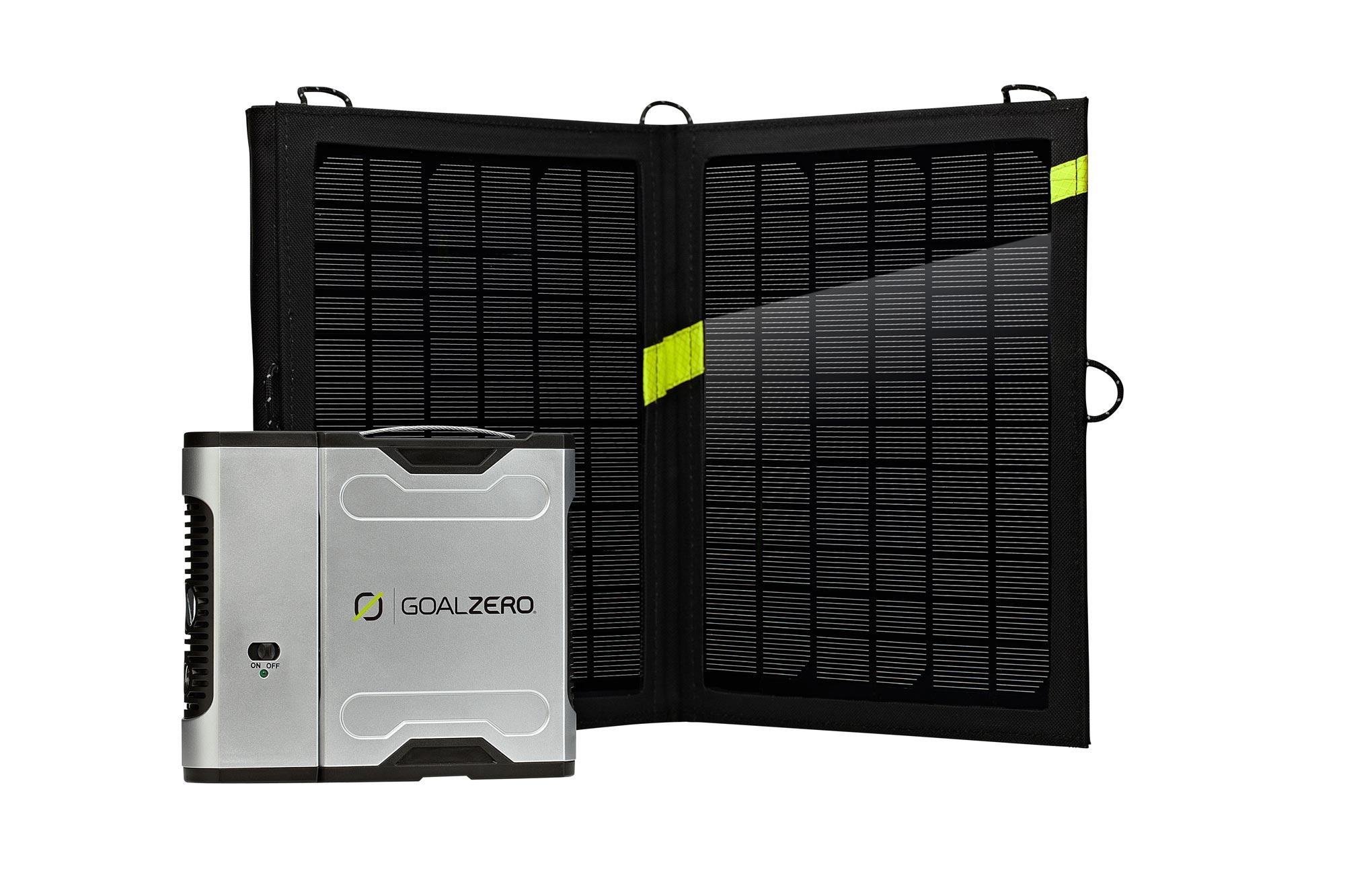Le rechargeur Goal Zero Sherpa 50, avec le panneau solaire Nomad 13.