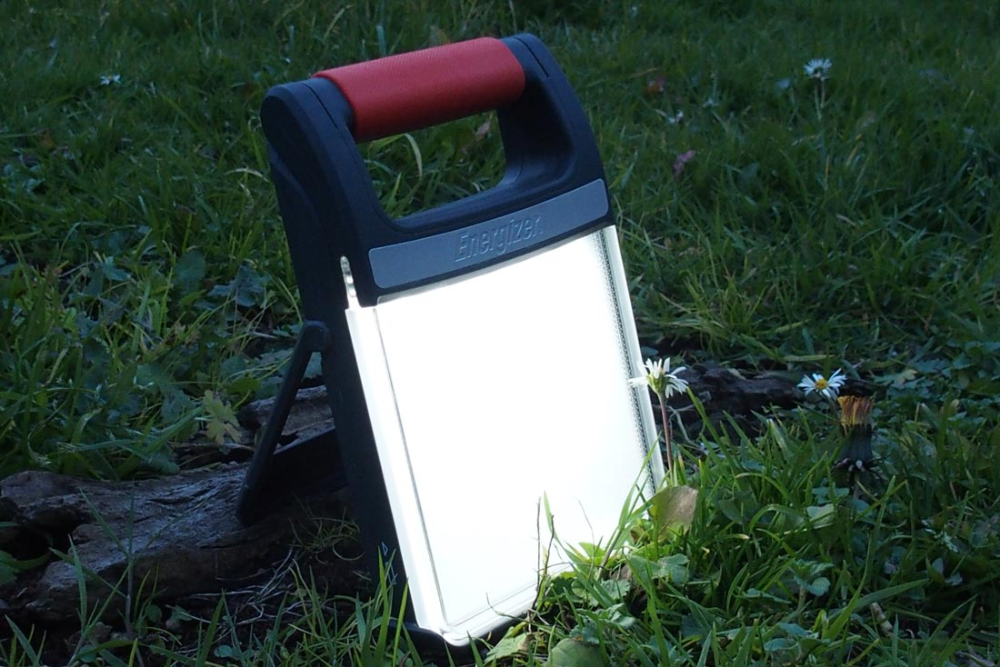 L'Energizer Led Folding Lantern. Ph. Moctar KANE.