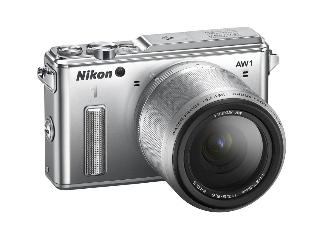 L'APN hybride waterproof et anti-choc Nikon 1 AW. Ph. Moctar KANE.