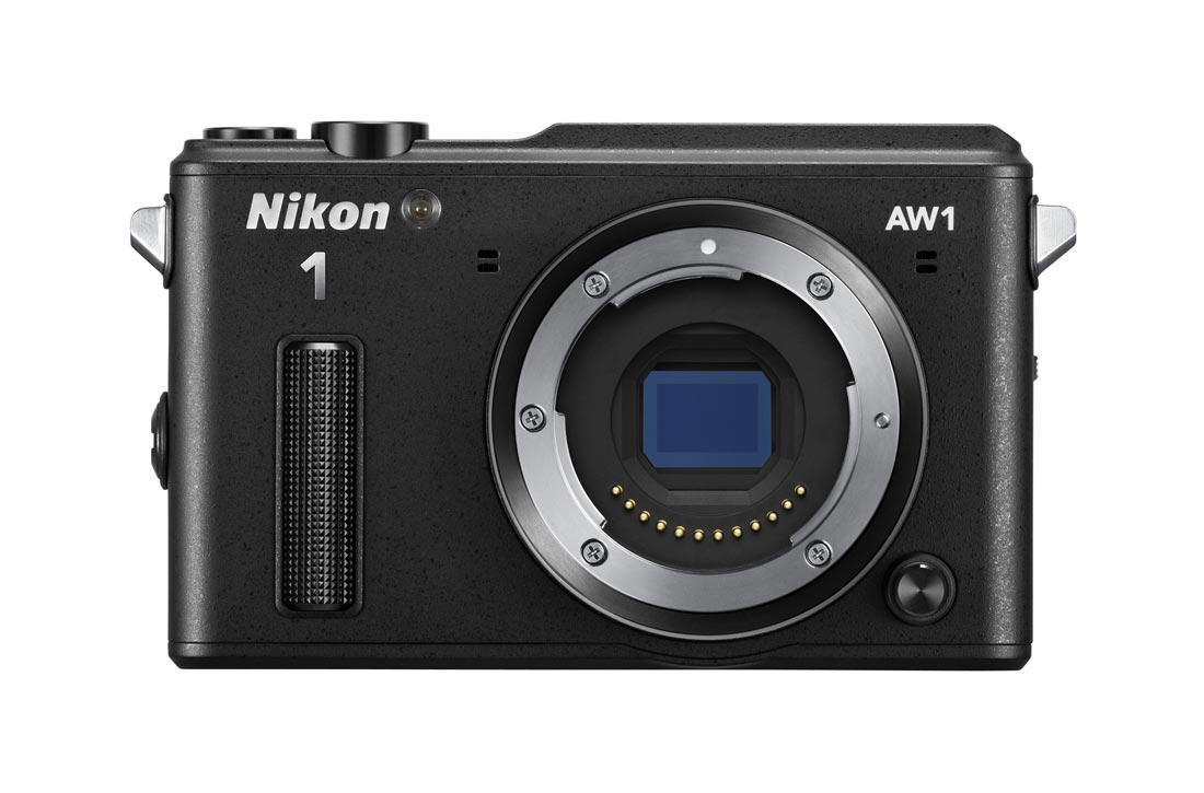 L'APN waterproof et anti-choc Nikon 1 AW1 et son capteur hybride. Ph. Moctar KANE.