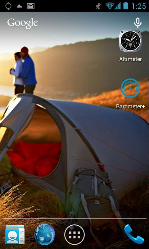 Le smartphone Quechua Phone 5 : deux des applis exploitant son alti-baromètre.