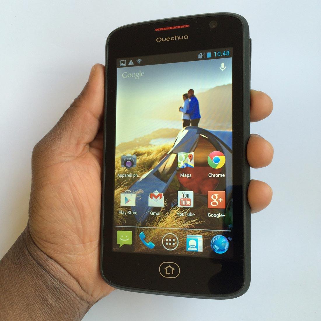 Le Quechua Phone 5 et son vaste écran. Ph. Moctar KANE.