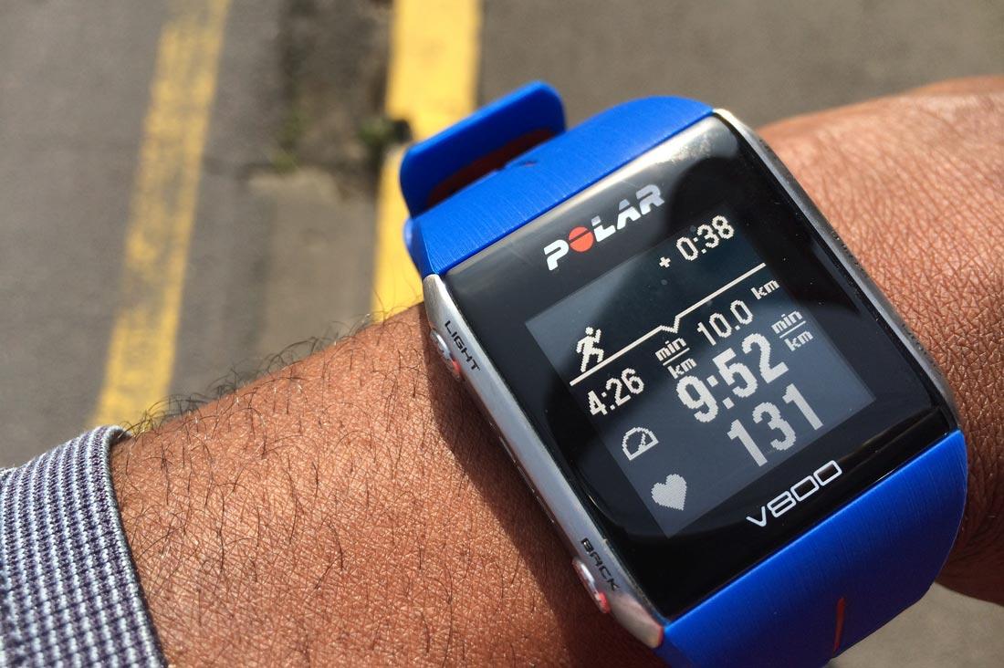 La montre GPS sport Polar V800 : affichage du partenaire virtuel. Ph Moctar KANE.