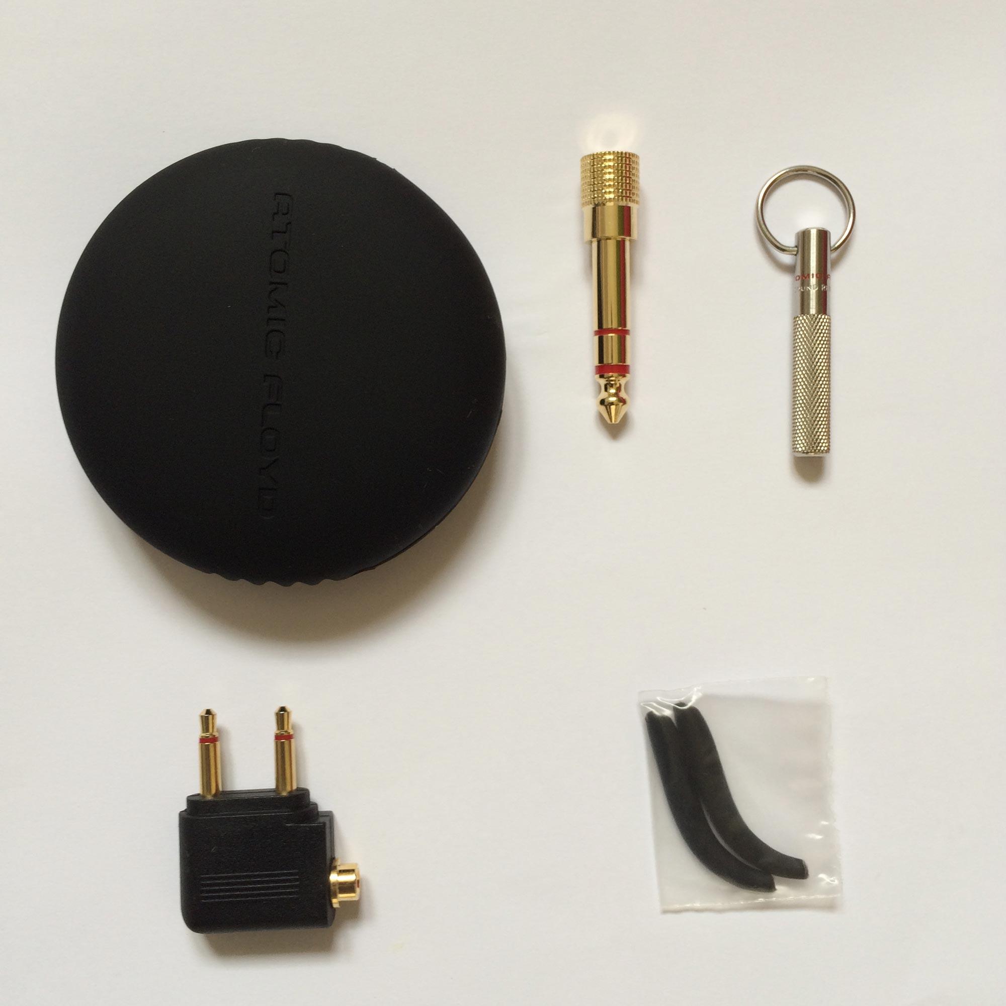 Accessoires des écouteurs de sport Atomic Floyd AirJax. Ph. Moctar KANE.
