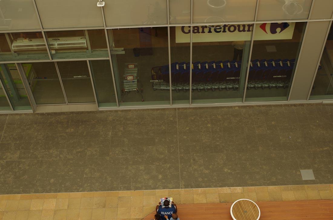Test terrain Pentax K-50 : au centre commercial Confluence, quartier La Confluence, Lyon, 2014, Ph. Moctar KANE.