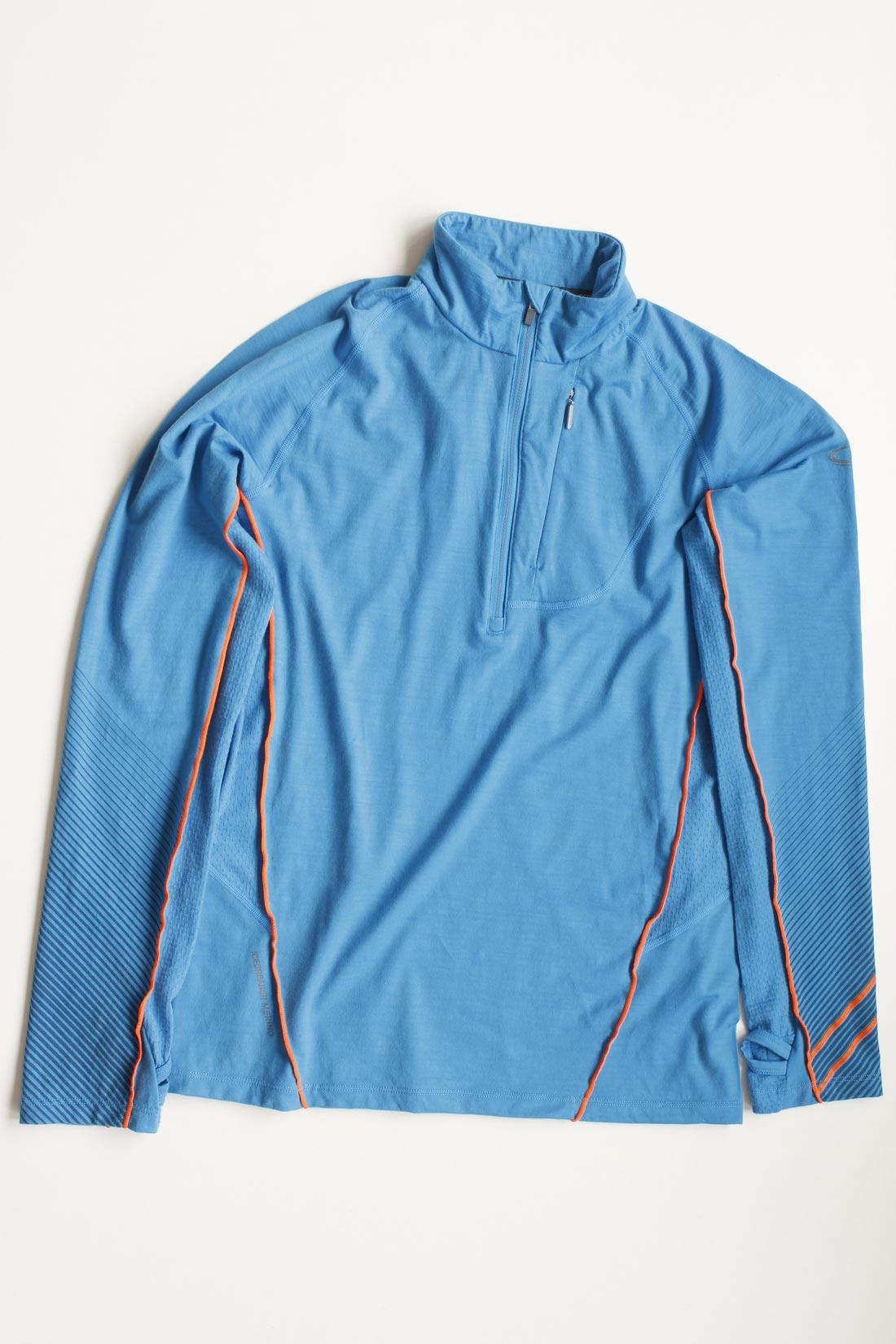 Le tee-shirt en laine mérinos Icebreaker Drive Long Sleeve Half Zip, Ph. Moctar KANE.