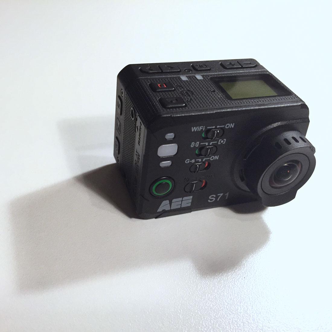 La caméra d'action PNJ AEE S71, 2014, Ph. Moctar KANE.