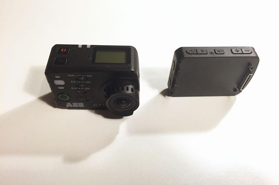 La caméra d'action PNJ AEE S71 avec son écran amovible, 2014, Ph. Moctar KANE.