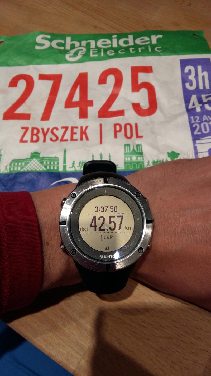 Montre de Zbyszek, photographiée après sa course au Marathon de Paris 2015.
