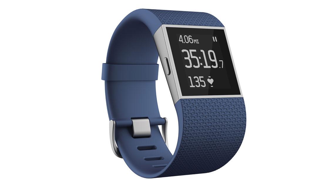 La montre de sport GPS, traqueur d'activité et cardio-fréquencemètre Fitbit Surge.