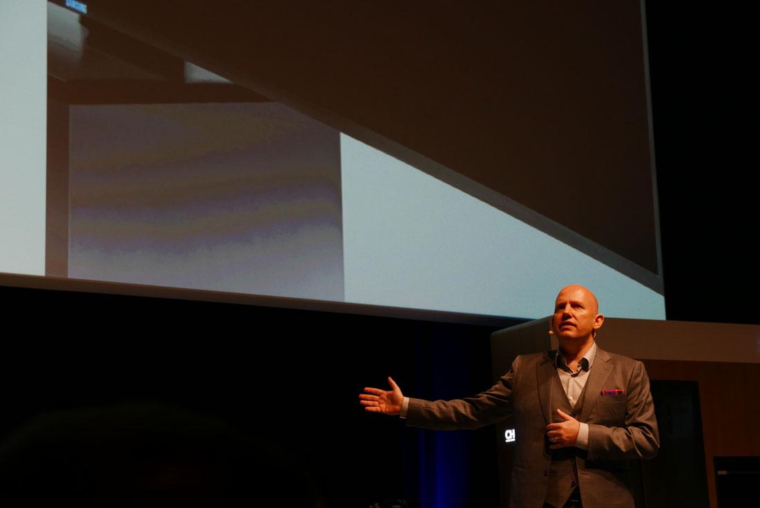 Conférence Samsung, prise au Lumix DMC-LX100 à 3200 ISO, Monaco, 02 2015, Ph. Moctar KANE.