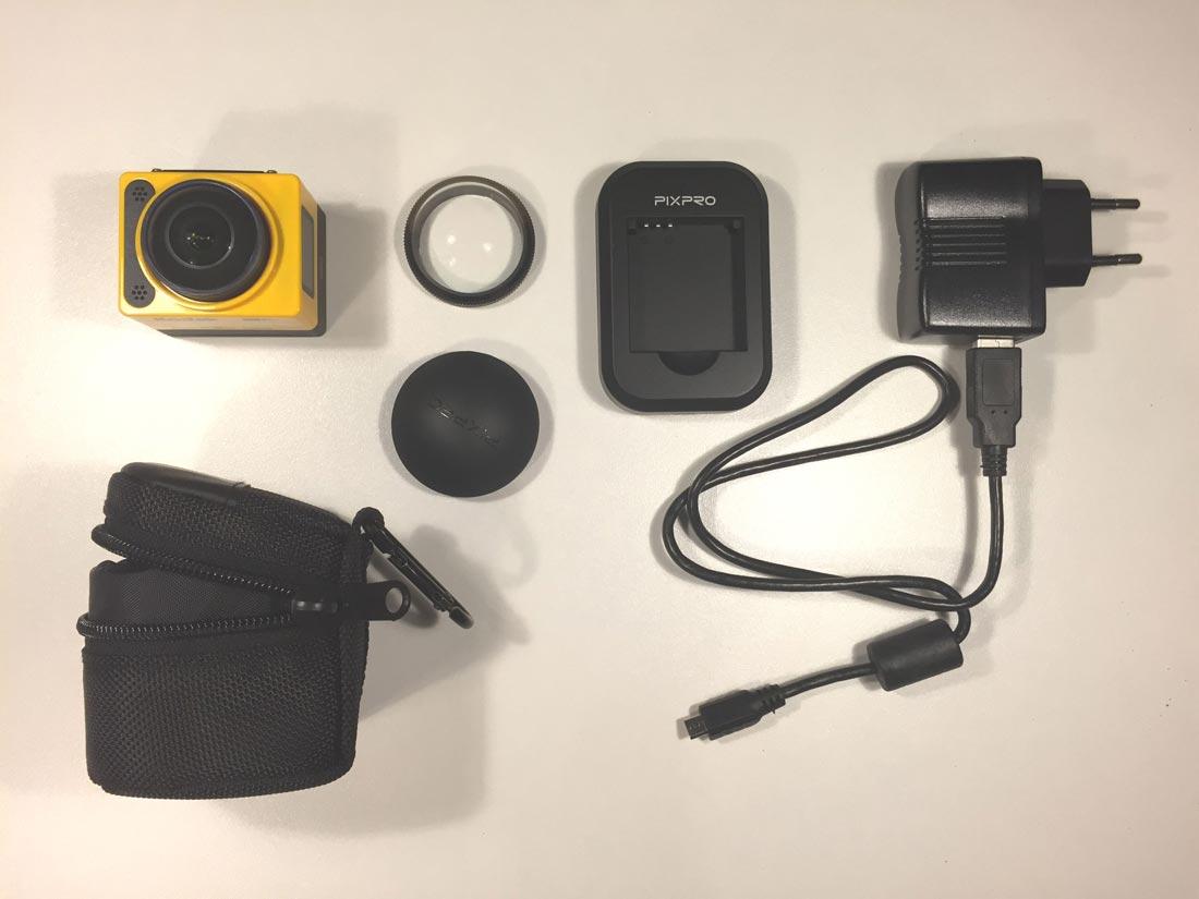 L'action cam Kodak Pixpro SP360 et ses accessoires de base, 2014, Ph. Moctar KANE.