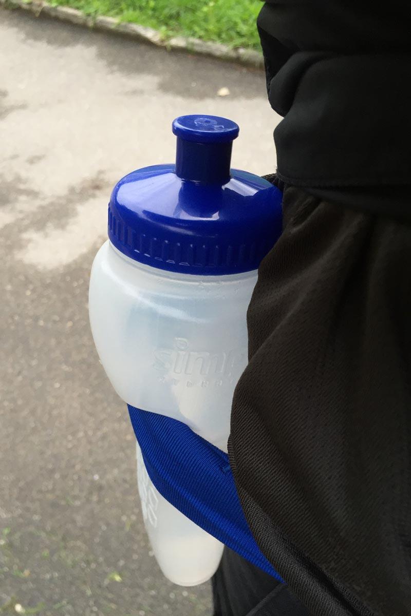 La ceinture de running FlipBelt et la bouteille Simple Hydration, 2015, Ph. Moctar KANE.