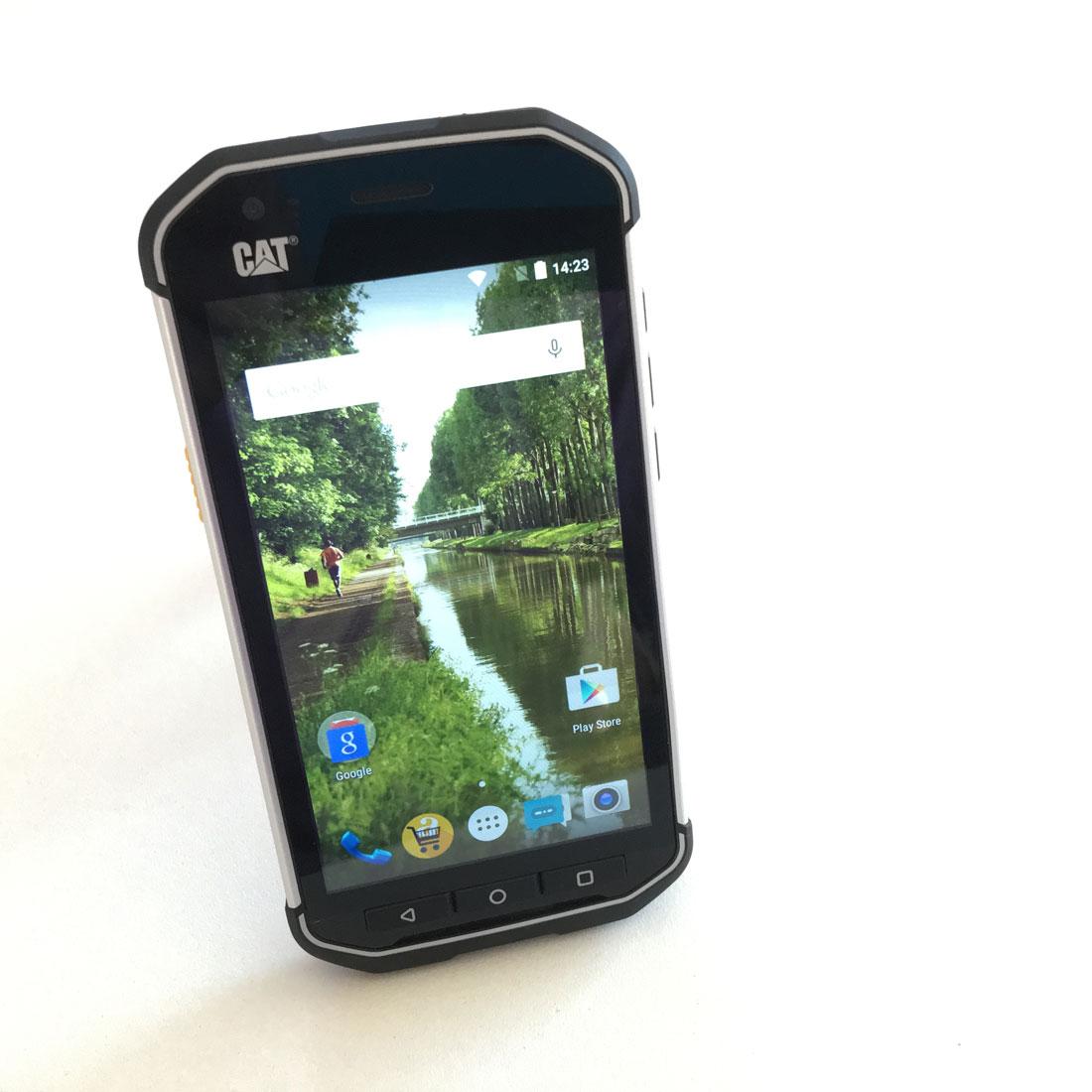Smartphone hermétique et durci CAT S40, Ph. Moctar KANE.