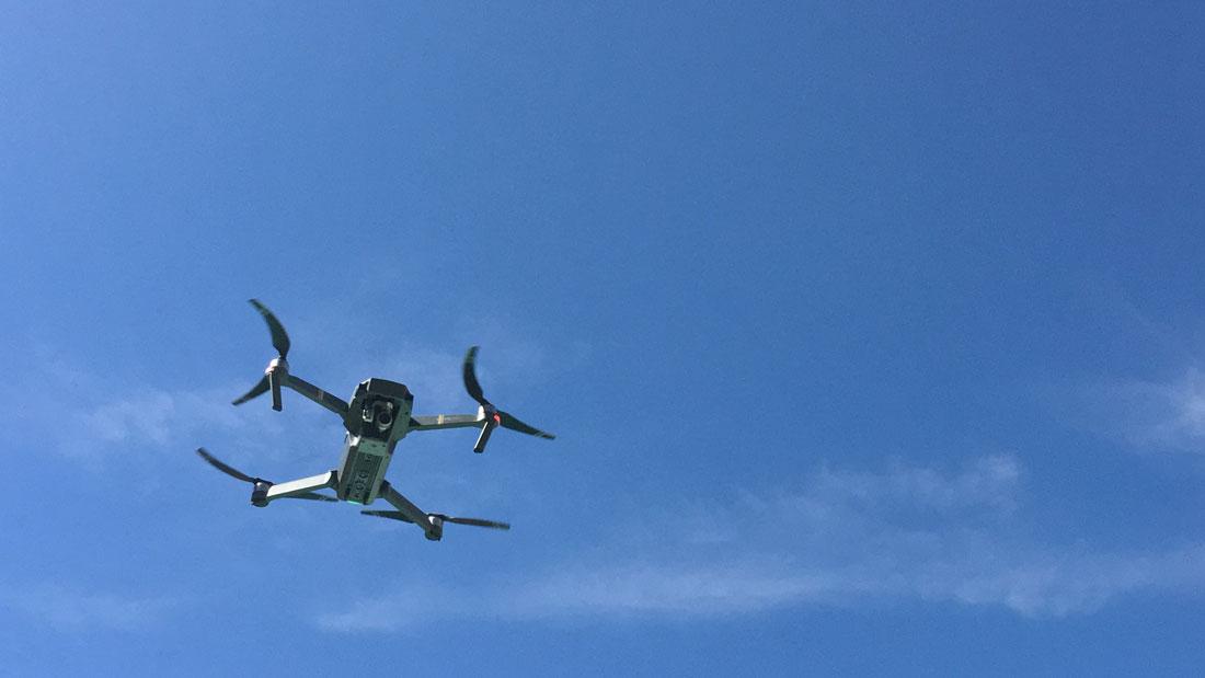 Le drone pliable DJI Mavic Pro en vol, 10 2016, Ph. Moctar KANE.