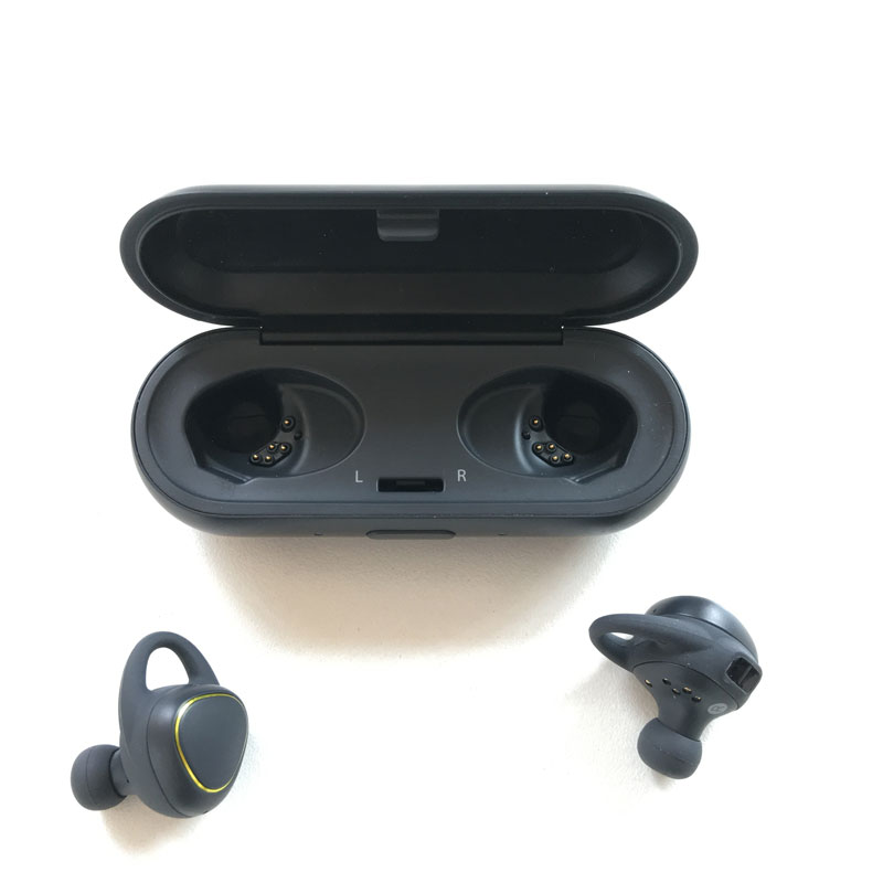 Écouteurs Bluetooth intras de sport Samsung IconX, 10 2016, Ph. Moctar KANE.