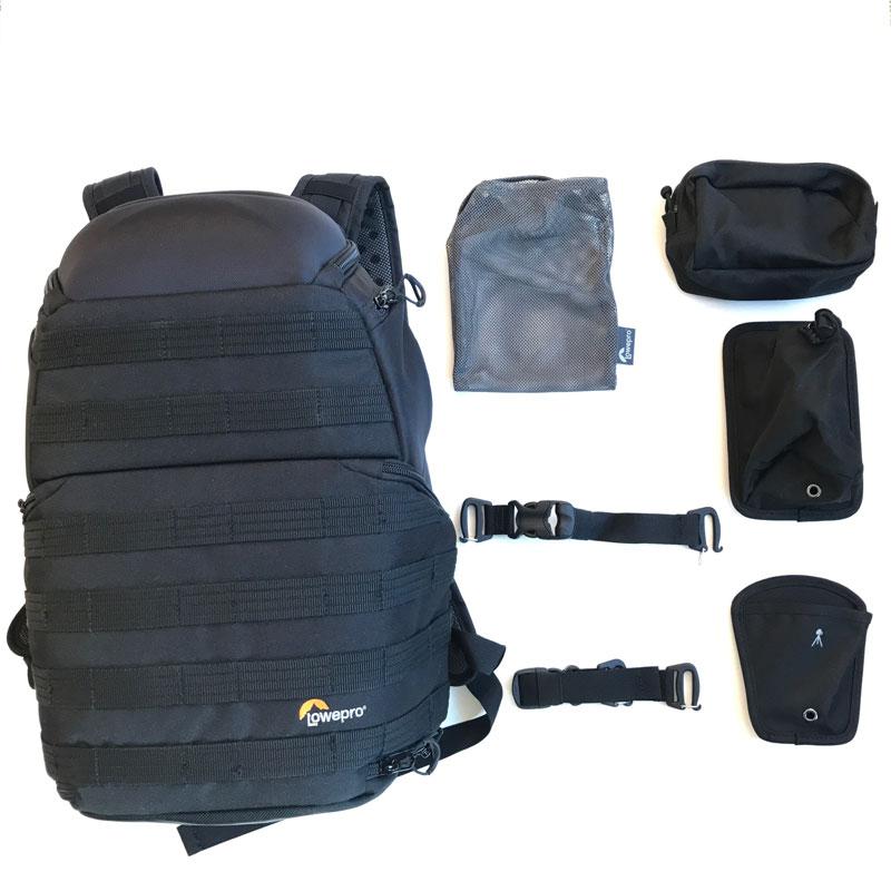 Le sac à dos photo Lowepro ProTactic 350 AW et ses accessoires livrés de base, 2017, Ph. Moctar KANE.