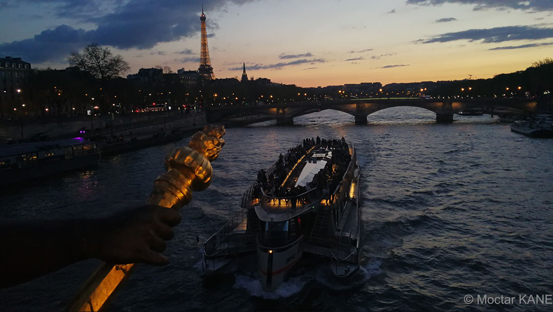 La Seine du Pont Alexandre III, Paris, 2017, Ph. Moctar KANE, photo prise avec le Huawei Mate 9.