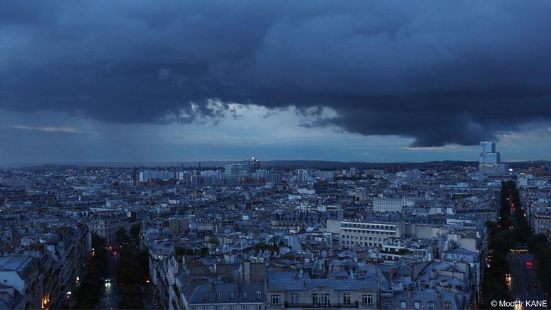Le nouveau Palais de Justice vu de l'Arc de Triomphe, photographié avec l'Olympus OM-D E-M1 Mark II, Paris, 2017, Ph. Moctar KANE.
