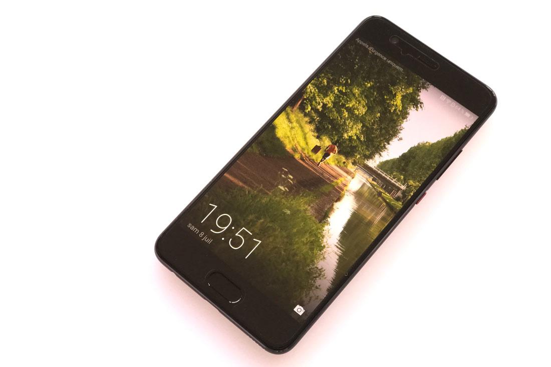 Smartphone Huawei P10 Plus, 2017, Ph. Moctar KANE.