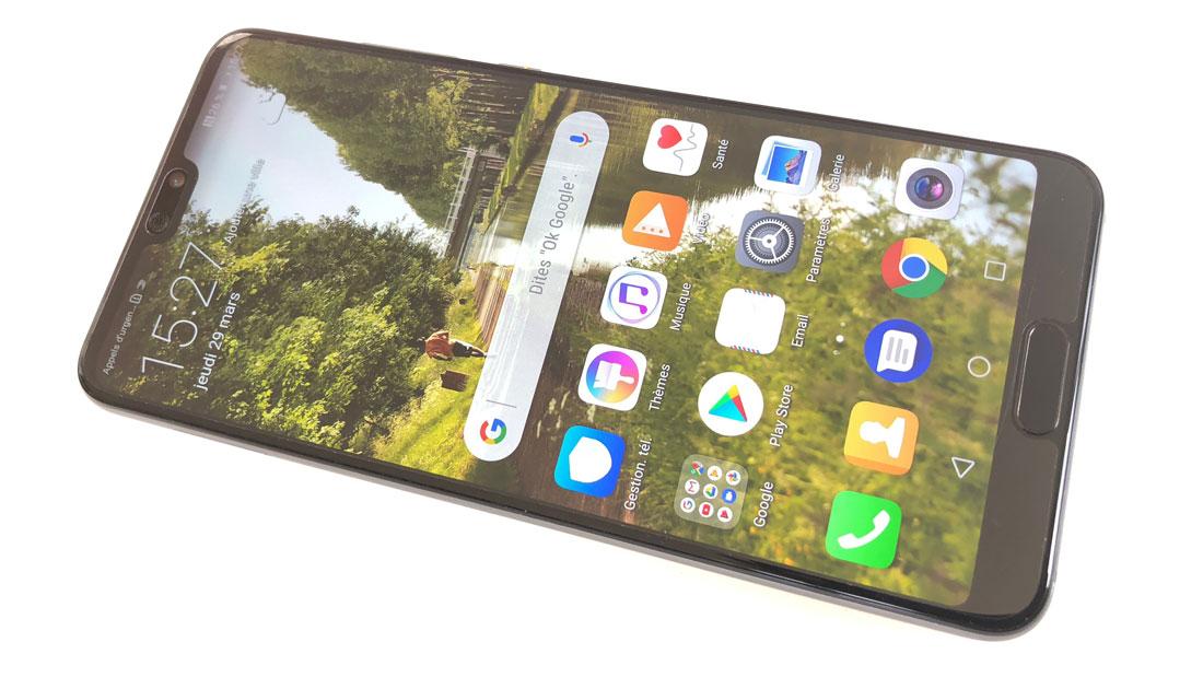 Le smartphone à triple objectif Huawei P20 Pro, 03 2018, Ph. Moctar KANE.