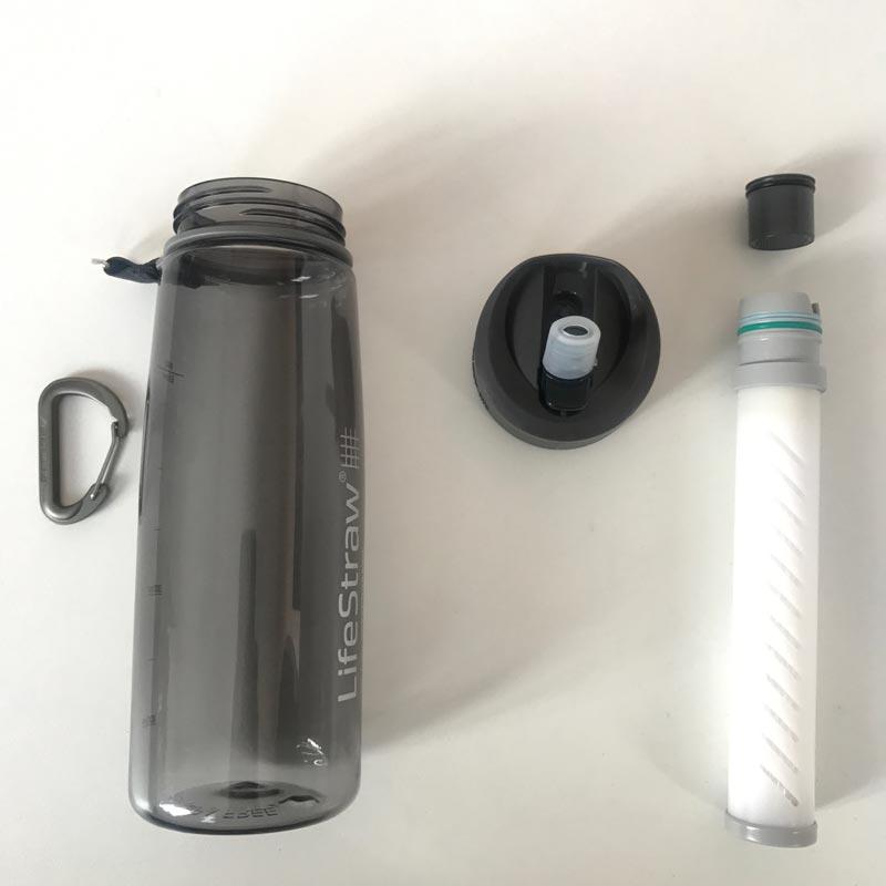 La bouteille filtrante LifeStraw Go démontée, 05 2018, Ph. Moctar KANE.