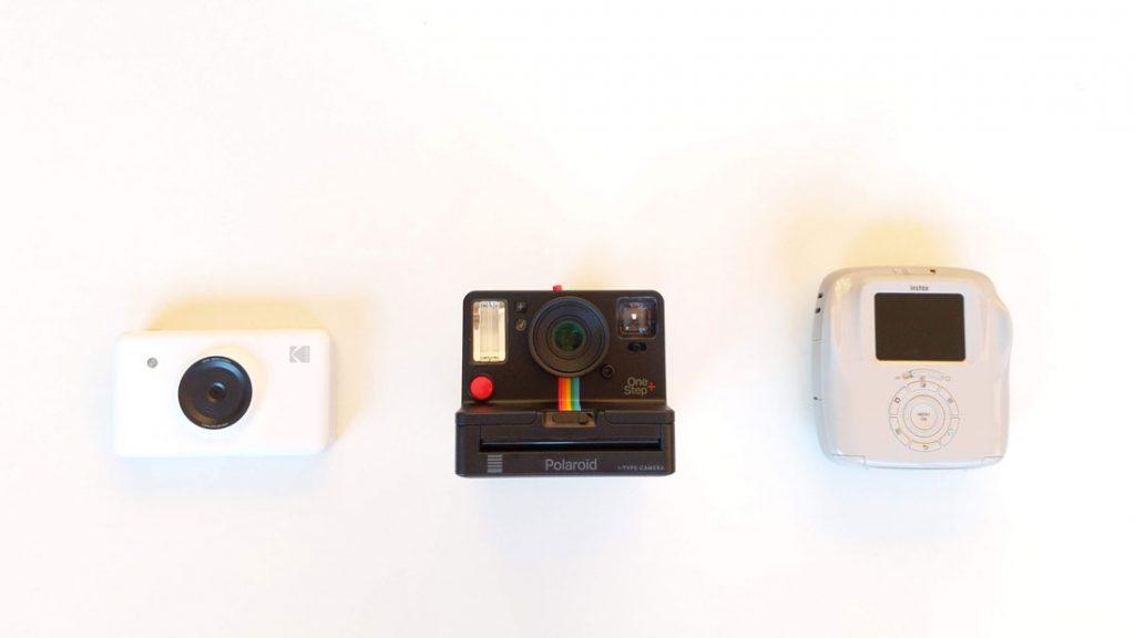 Les appareils photo Kodak Mini Shot, Polaroid Originals One Step+ et Fujifilm Square SQ20, 2018, Ph. Moctar KANE.