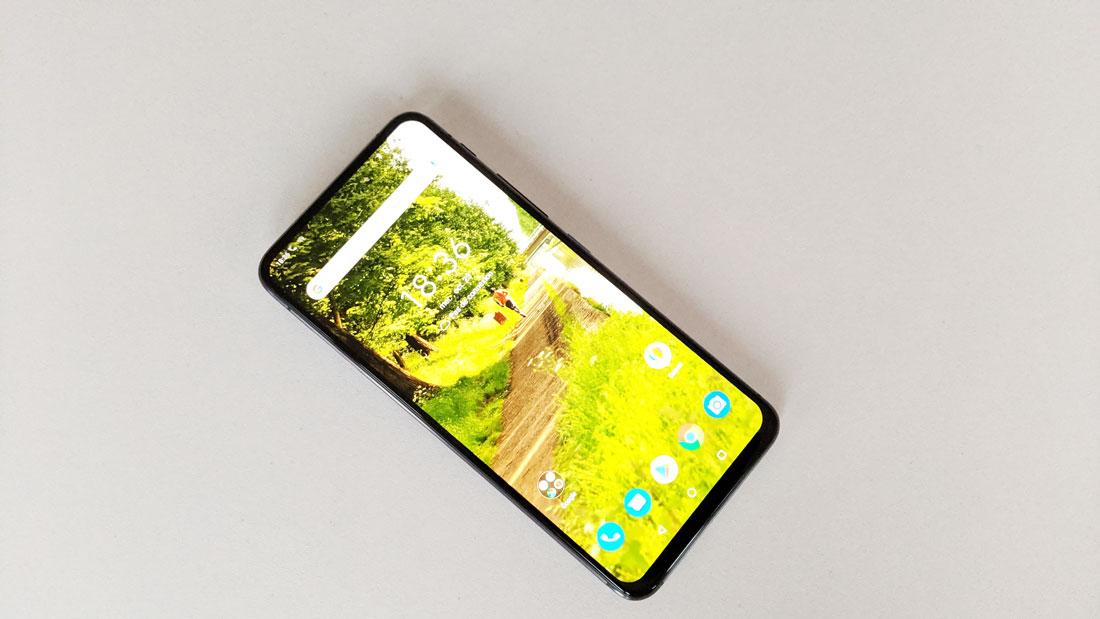 Smartphone Asus ZenFone 6, 2019, Ph. Moctar KANE.