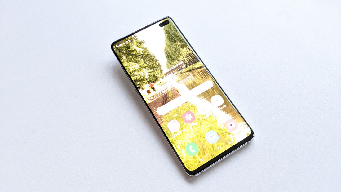 Le smartphone Samsung Galaxy S10+, 2019, Ph. Moctar KANE.