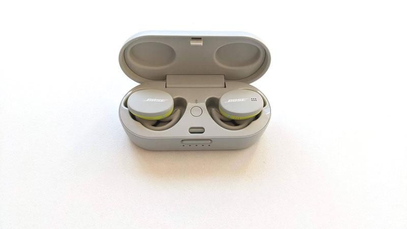 Écouteurs intras de sport sans fil Bose Sport Earbuds dans leur boîte, 2021, Ph. Moctar KANE.